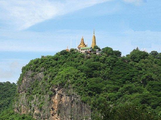 Đỉnh đồi Sampeau ở Battambang