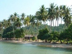 Bãi biển hoang sơ xanh mát ở Đảo Thỏ (Koh Tonsay)